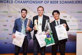 Die drei ersten der Biersommelier-WM 2017: Felix Schiffner (2.), Stephan Hilbrand (Sieger) und Rodrigo Sawamura (3.)