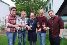 Teilnehmer am Gipfeltreffen im Garten des Esslokal: v.l.n.r. Simon Schubert, Fred Loimer, Roland Huber, Andreas Katona, Dominic Hofer