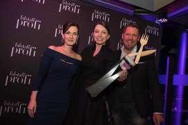Alexandra Gorsche, Eveline Wild, Mike Süsse mit der Ehrenpreisstatue