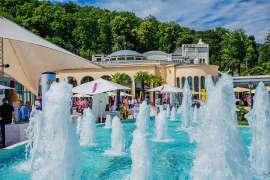 Springbrunnen vor dem Casino Baden