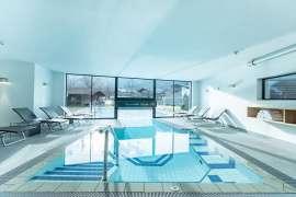 In-und Outdoor-Pool im Hotel Alpenhof