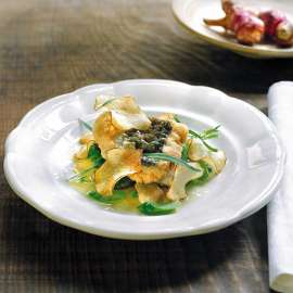 Knuspriger Karpfen auf Sellerie-Topinamburgemüse