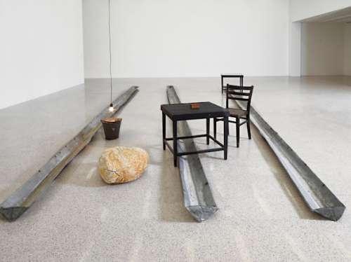 Joseph Beuys, Basisraum Nasse Wäsche, 1979