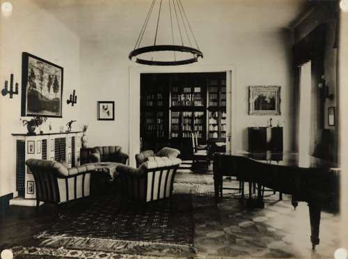 Otto Bauer, Aufnahme des Musikzimmers der Wohnung von Josef Morgenstern mit dem Gemälde Vier Bäume, 1924