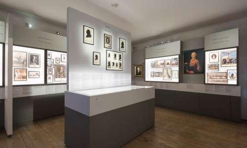 Ausstellungsansicht: Mozart und seine Wiener Netzwerke. Ein Querschnitt