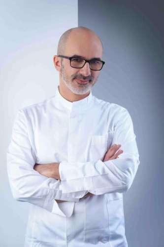 Cantinetta Antinori Küchenchef Lorenzo Dimartino mit weisser Kochjacke
