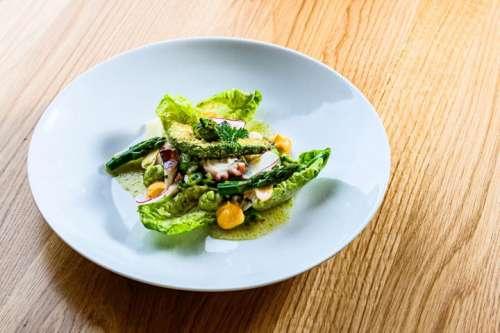 Octopus-Spargel-Salat