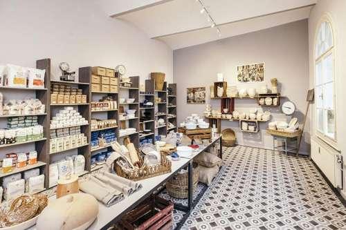 Die Greißlerei in der Wiener Heumühlgasse bietet alles, was gutes Brot und dessen BäckerInnen brauchen