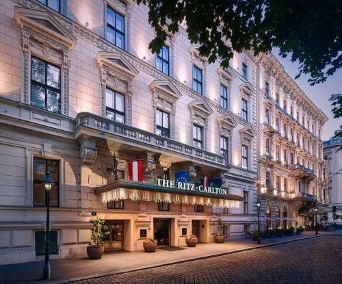 The Ritz-Carlton Vienna, Blick von der Ringstraße