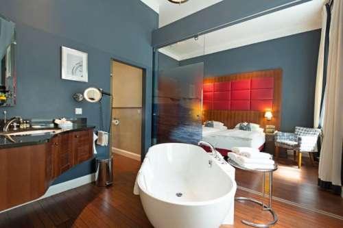Admiral Suite mit freistehender Badewanne