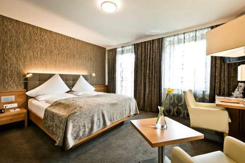 Innenansicht Doppelzimmer Superior Traunblick im Hotel Goldenes Schiff