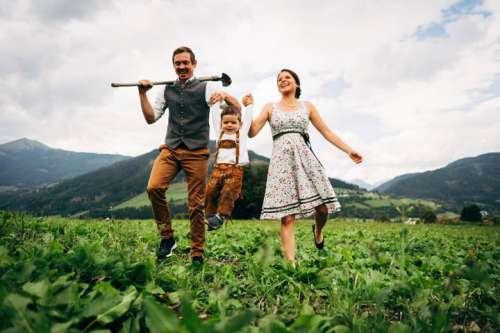 Freude an der Natur beim Urlaub am Bauernhof