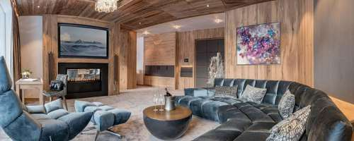 Rundblick in die edle Penthouse Suite des Alpen-Wellness Resort Hochfirst
